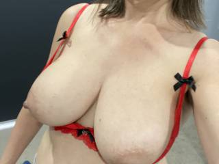 Hubby is away so I thought I would buy some lingerie to surprise him when he gets back. Do you like my bra?