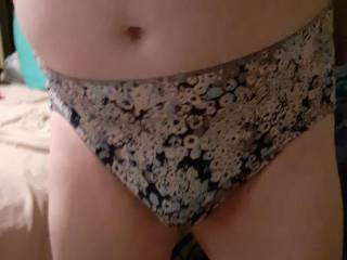 I bought myself these sexy silkie HHW panties for Christmas, I can\'t find HHW satin panties anymore, but these remind me of the Jockey No Visible Panty Line panties, & that\'s a wonderful thing...