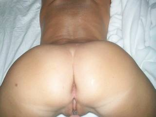 Ahhhhh.... the perfect pose... would love to have my throbbing cock penetrate your phenomenal bod!