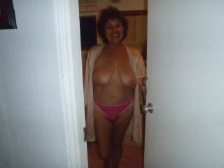 I love women who are at my age. who know what they want and like to do sex. you have a great body and beautiful breasts.