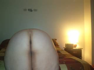 mmm i got 8inche si would love to pound in that ass and pussy deep and hard