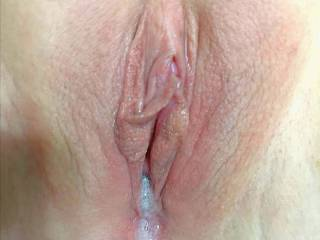 Love being filled up until it\'s pouring of of me . Who would like to add another creampie ?