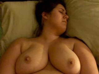 i love cumming on her big boobs. she\'s about to cum playing with her toy