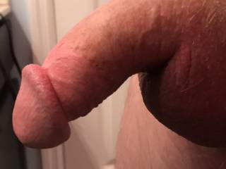 Just hopin in the shower with this semi hard thick cock, looked too good not to share.