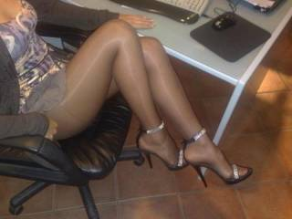 Cum On Nylon Legs
