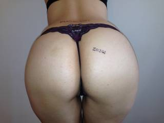 wow! very nice, what a great ass...  I want to be the one to take her thong off with my mouth! ;-)