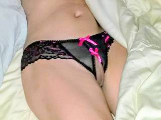 Tasty Asian pussy in pretty bowtie lingerie~! Who wants some?? ;-)~