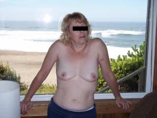the best way to vacation is topless don\'t you agree?