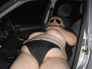 good girl me look in car window and wank while touching your black pantiesss