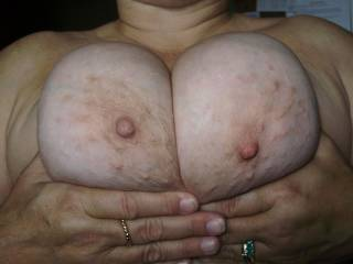 Beautiful!!!  Lovin those nips...