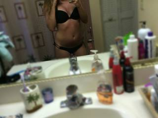 """Another """"im hot enough to fuck even with my sunburn"""" picture."""