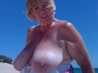 wish I could suck her beautiful big titty