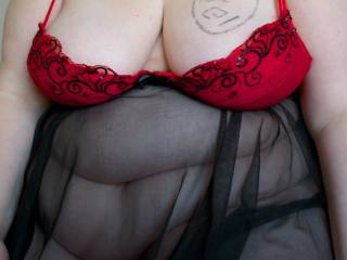 BBW friend posing in sexy lingerie