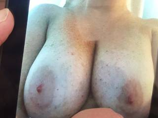 God these breasts are amazing love to fuck them amd cum over this exy lady for real