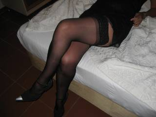 awesome legs, gettin really horny!!!