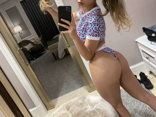 Love showing off my slut body!