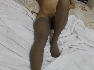 Asian lady in stockings love it!
