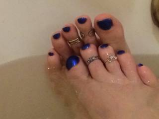 beautiful toes with rings,  wish lick them