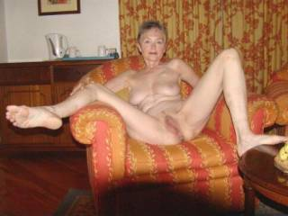 A Great looking mature woman very sexy the kind I prefer.  Could I lick her delightful pussy?  It looks delicious and I love eating pussy better than any thing else. Hier tits look great to fondle, kiss, suck, nibble.