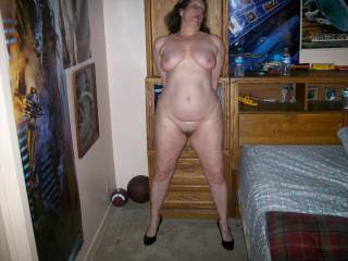 wife nude friends house
