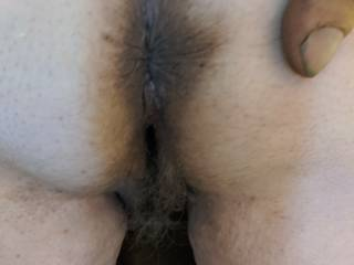 i love to bury my tong in her ass. very tasty