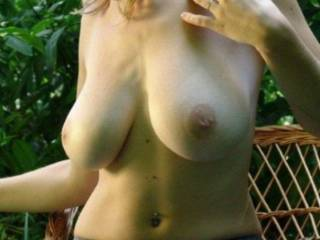 you are absolutely so attractive and the most beautiful tits than i ever seen really. Your tits makes me crazy but i have only a small dick to give to you, may be you don't like short cock? tell me