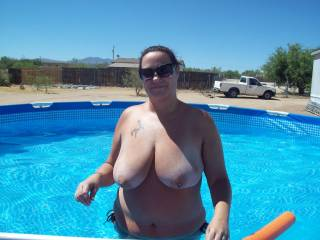 nothing like a set of nice big tits getting some sun..