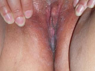 OMG !! i would love to fuck that pussy :-)