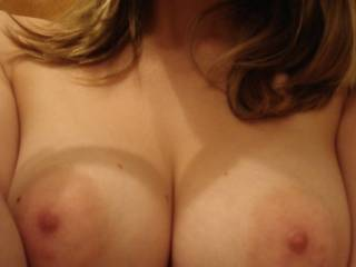 mmm cant pull my eyes off those big, soft, pink nipples... god i wanna pull this big cock and have a suck