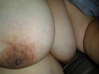 Great huge boobs with nice nipples.
