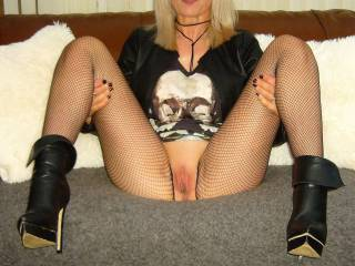 Fishnet fun part 4 legs spread wide.!