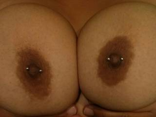 love the tits and the piercings would love to shoot some hot cum all over them