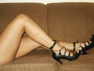 Ohh yes! I have a thing for beautiful feet and legs babe..They look very sexy on you