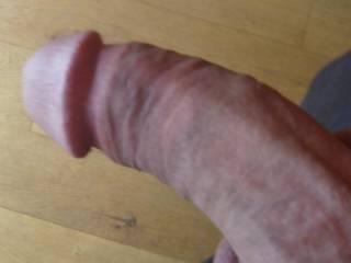 who likes circumcised dicks?