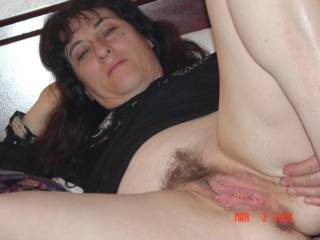 I love a hairy pussy and I love your face!! Can I kiss them both?!