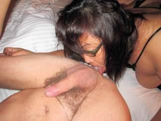 Liz, hottest BBW in Indonesia licking ass...
