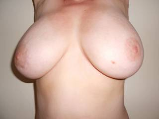 i wish you would write back so I could suck those gorgeous tits to your ultimate pleasure. But your juicy hot pussy is next till you squirt OMG I would love to do just that with you for hours. I will load pics of your choice if you write then you will want to get together.....