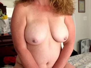 Wanting sexy Milf to wrap those legs around my head pushing my face tongue and lips into that hot wet Milf pussy of hers! Mmmmmmmmm