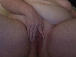 I would love to explore inside your cunt with my cock