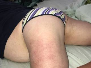BBW wife lounging around in her panties. Plump round ass and glimpse of big wobbly belly ;)