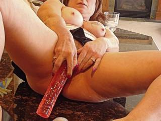 Smoking hot pussy from be fingered all night needs to cool off