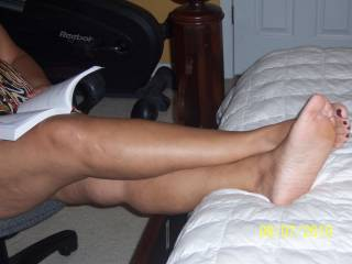 Mouth watering  feet and legs....delicious....they look so tasty....let me at them!