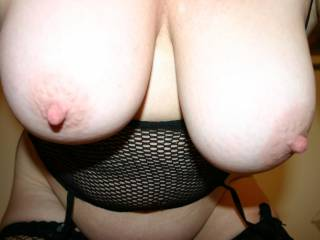 which one of you guys/girls want to suck Mels nipples