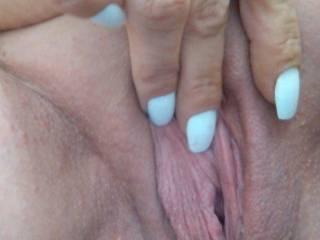 pretty ....    love shaved pussy