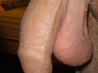 What a magnificent cock with a superb foreskin!