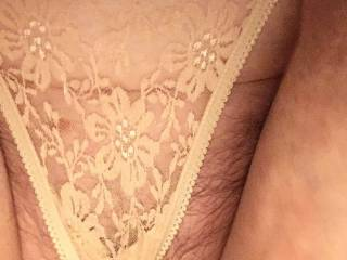 Ooooh my lacy thong feels so good 💕💕💕