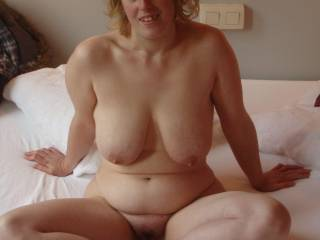 Those tits are beautiful, luv them and your bod, wud luv you for a date, but for the whole week-end. xxxxxxxx