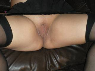wife showing her pussy whilst pregnant