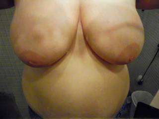 would like to play with your awesome beautiful tits while sucking your delicious nipples and btw love your warm and soft belly.