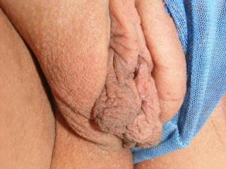 MMMMMMMMMMMMMM I WOULD LOVE TO SUCK UR SWEET PUSSY IN MY MOUTH and SLIDE MY TONGUE DEEP IN YOUR HOTT WETT PUSSY and MAKE YOU CUM IN MY MOUTH SEXY;)
